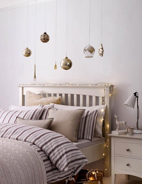 how to decorate a bedroom for christmas