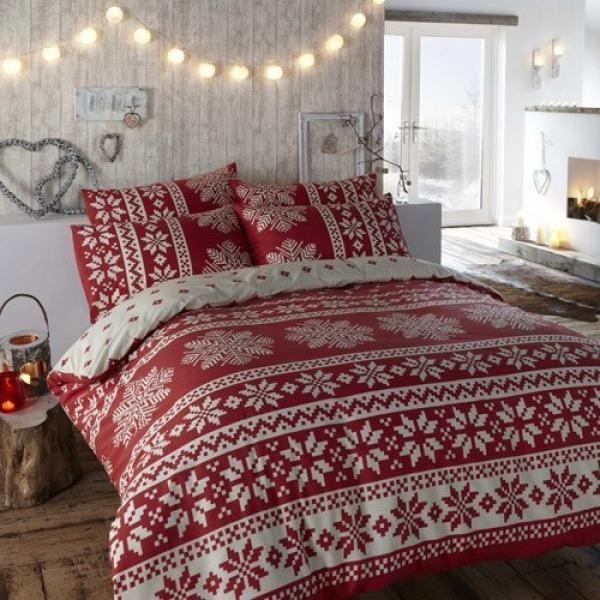 christmas-lights-in-the-bedroom