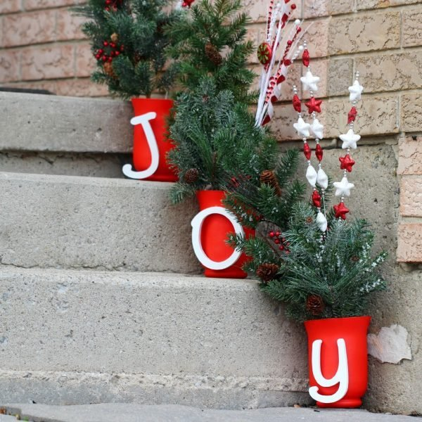 Diy christmas outdoor decorations ideas little piece of me Classic outdoor christmas decorations