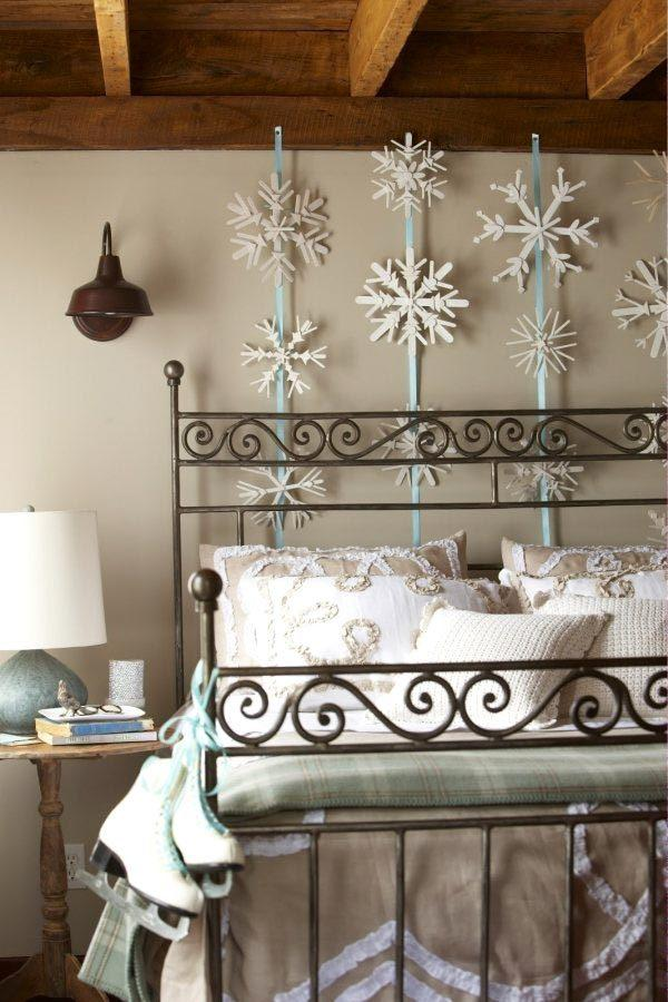 decorating-a-bedroom-for-christmas