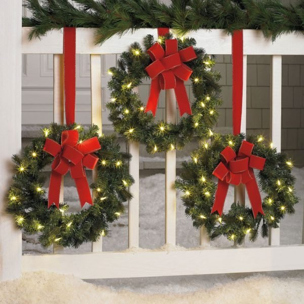 Diy christmas outdoor decorations ideas little piece of me Christmas decorations for house outside ideas