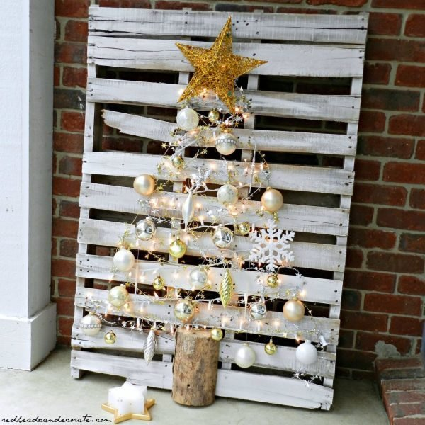 diy-outdoor-christmas-tree