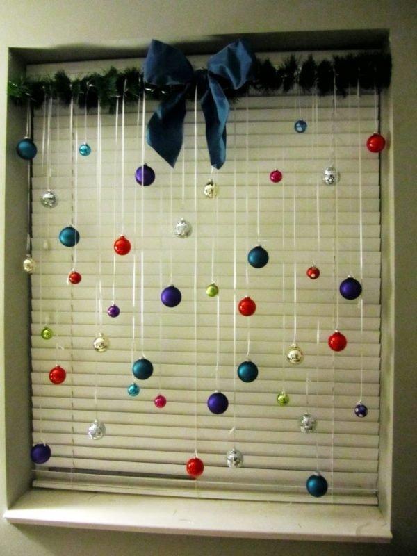 holiday-window-decorations