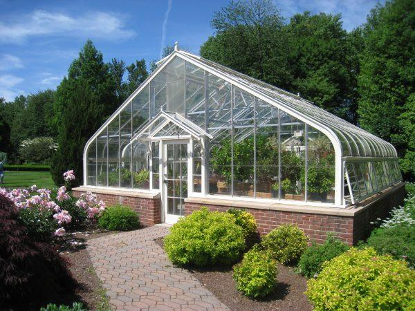Useful greenhouse storage ideas