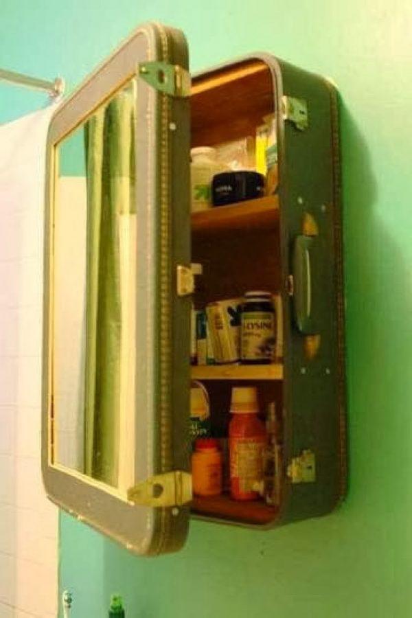 suitcase like a locker