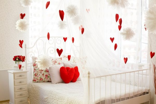 valentine's day bedroom decorations