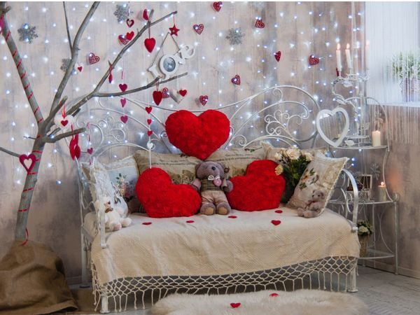 Valentine 39 s day room decorating ideas little piece of me - Valentine day room decoration ...