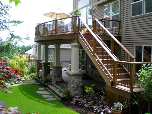 outdoor patio stairs