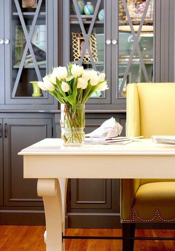white tulip arrangements