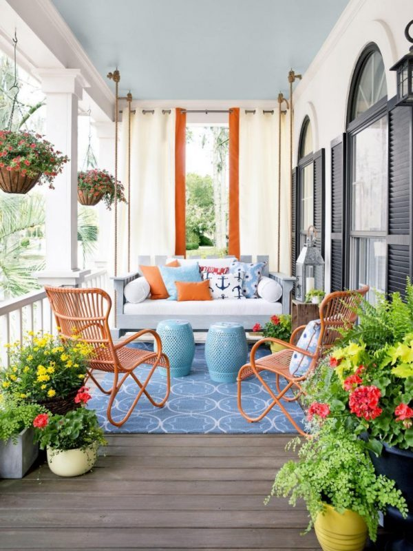 decorating front porch for summer