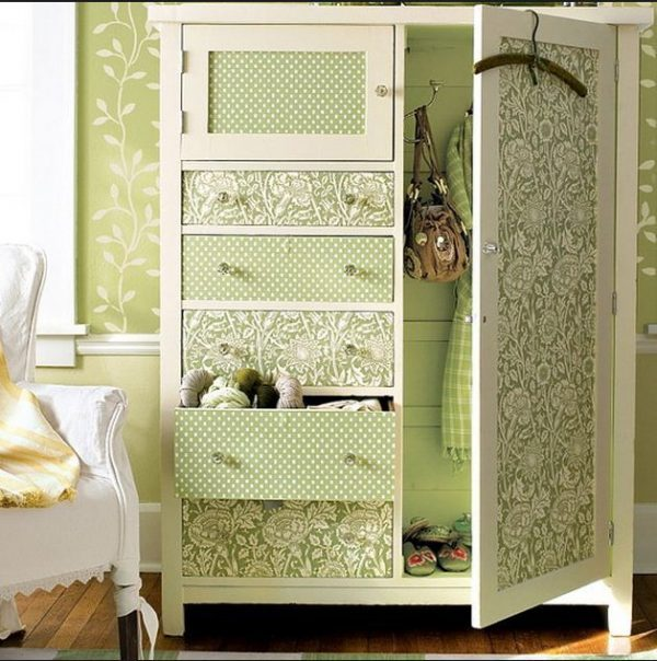 Wardrobe makeover with wallpaper
