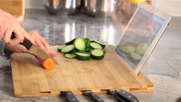 kitchen knife storage options