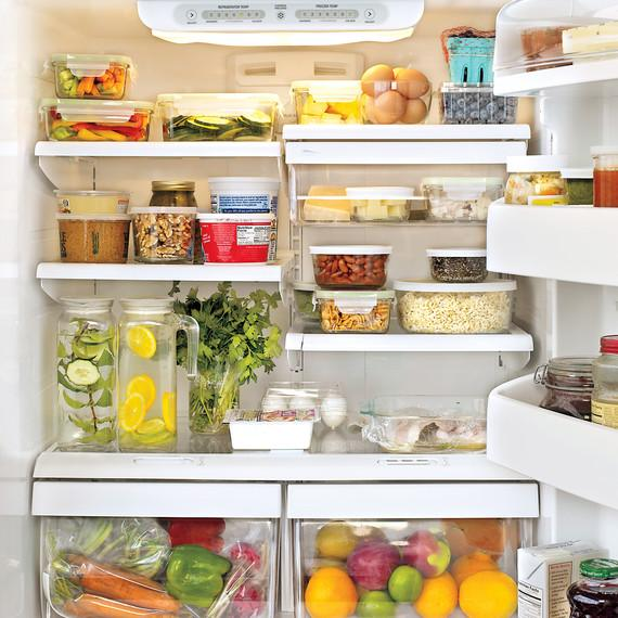 organizing refrigerator shelves