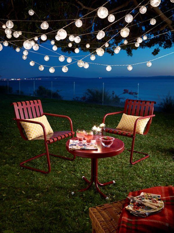outdoor hanging string lights