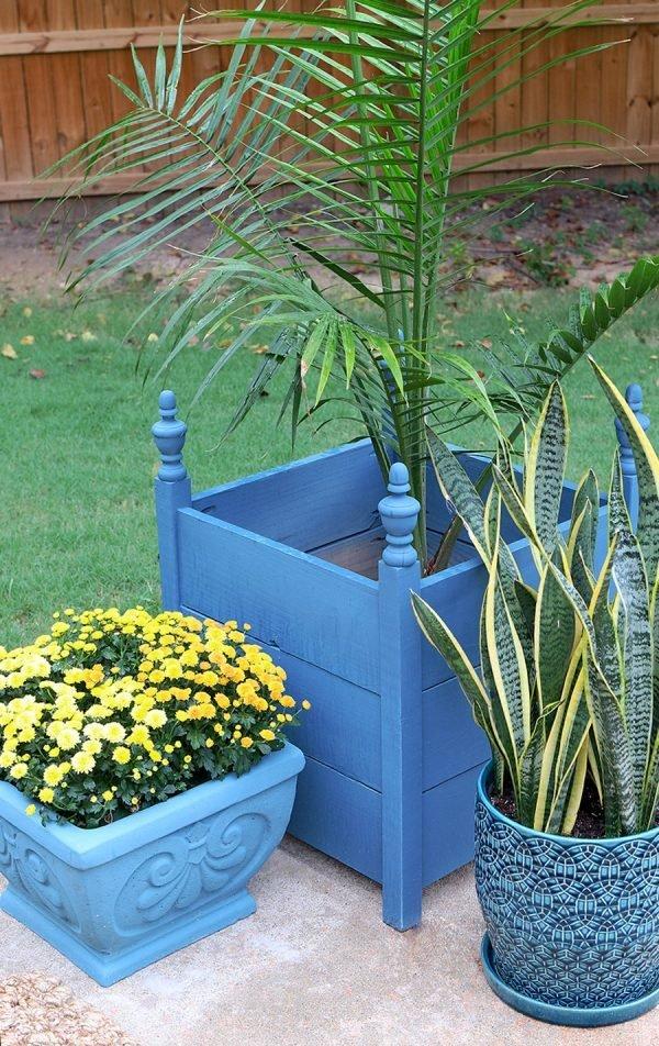 spray paint planters