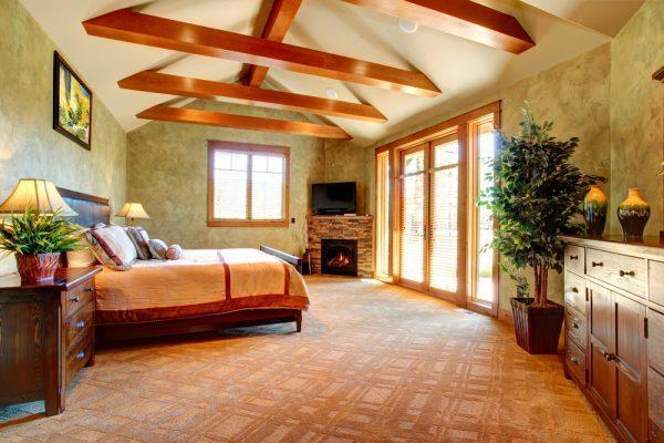 wood beams on ceiling
