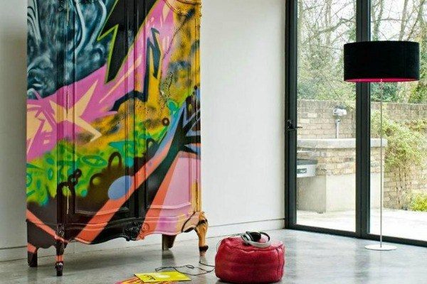 graffiti interior