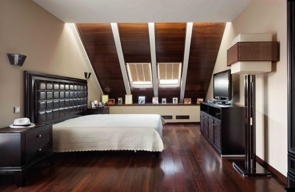 bedroom skylight 1