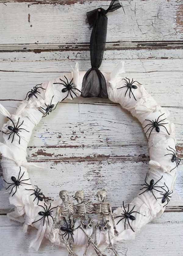 outdoor halloween wreath