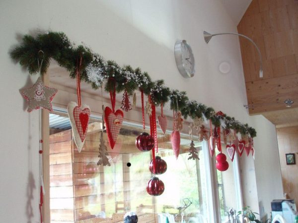 ornaments for kitchen window