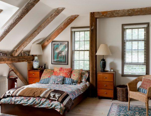 Bedrooms with exposed beams
