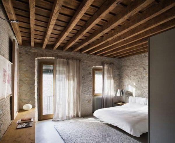exposed wood beam ceiling