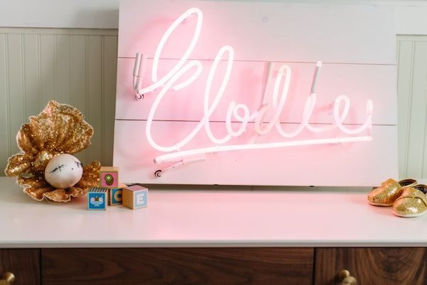 neon sign decor