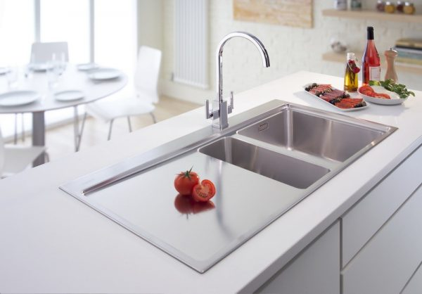 beautiful kitchen sinks