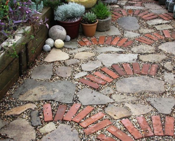 craft projects with old bricks