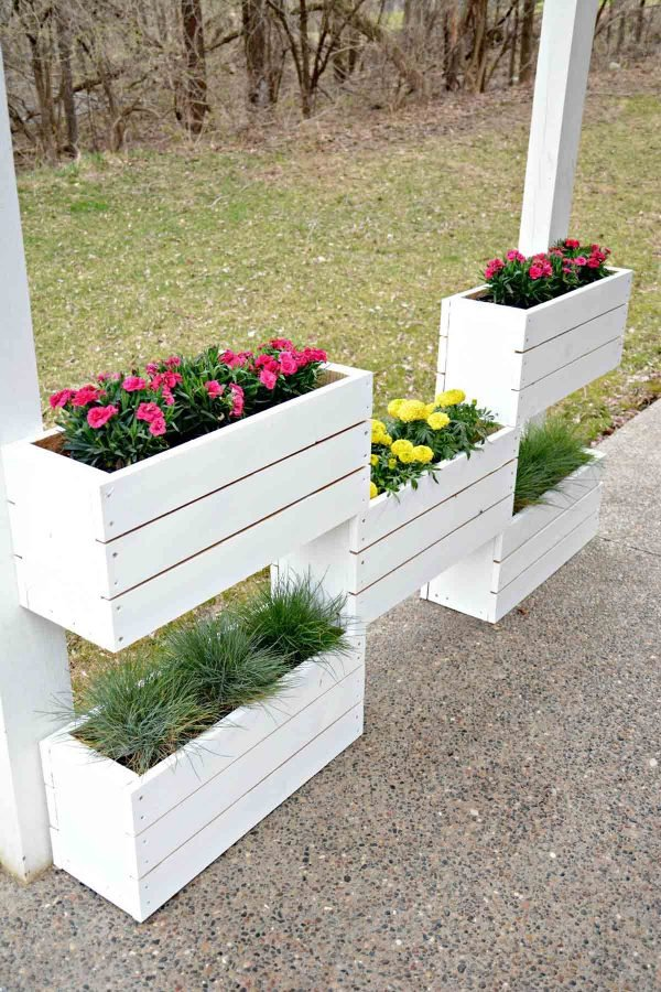 turning pallets into planters
