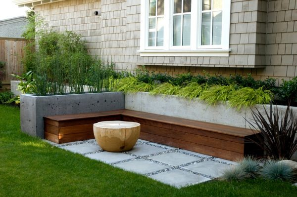 outdoor wood bench