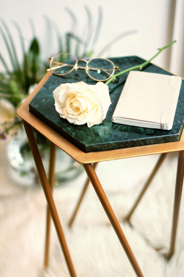 marble table decor