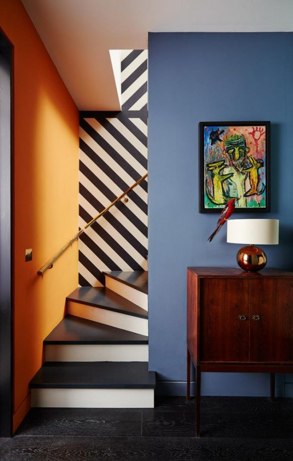 paint colors for staircase walls