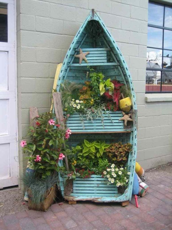 boat planter box