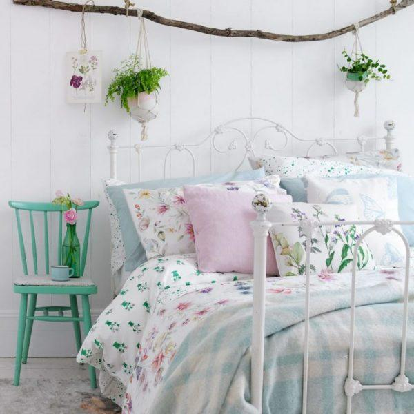 flower bedroom decor
