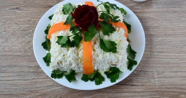 food decoration in a plate
