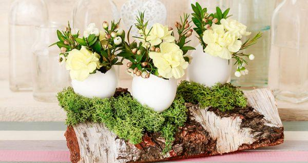 Empty egg shell decoration