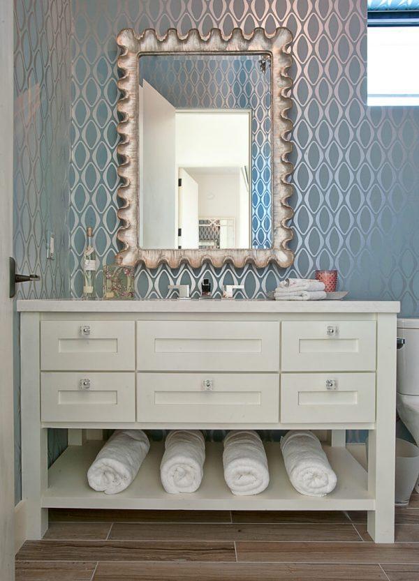 metallic wallpaper for bathroom