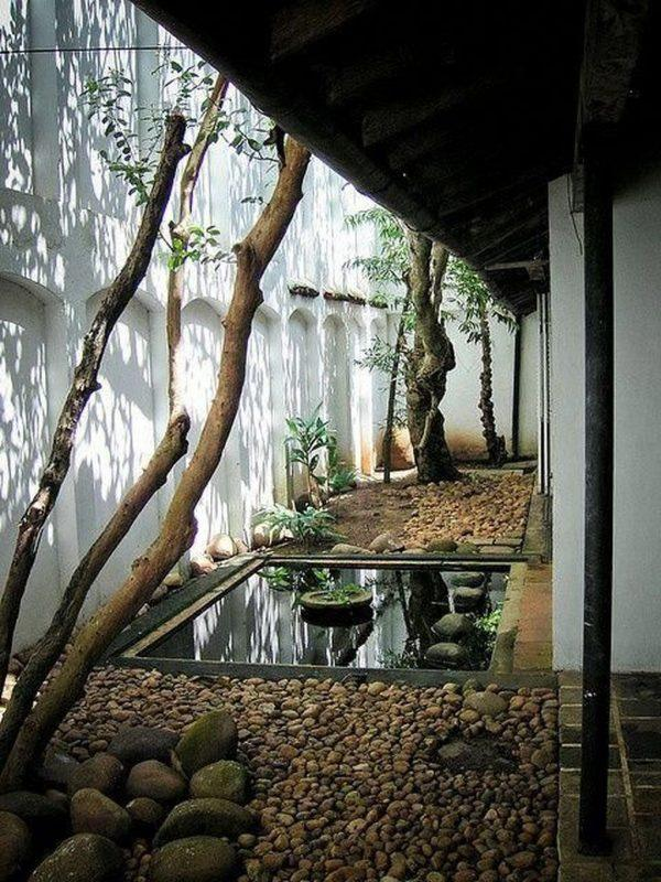 narrow japanese garden