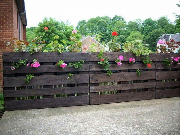 easy pallet fence