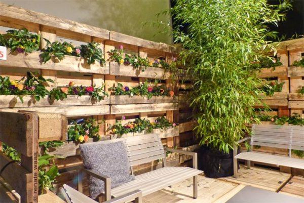 pallet fence planter
