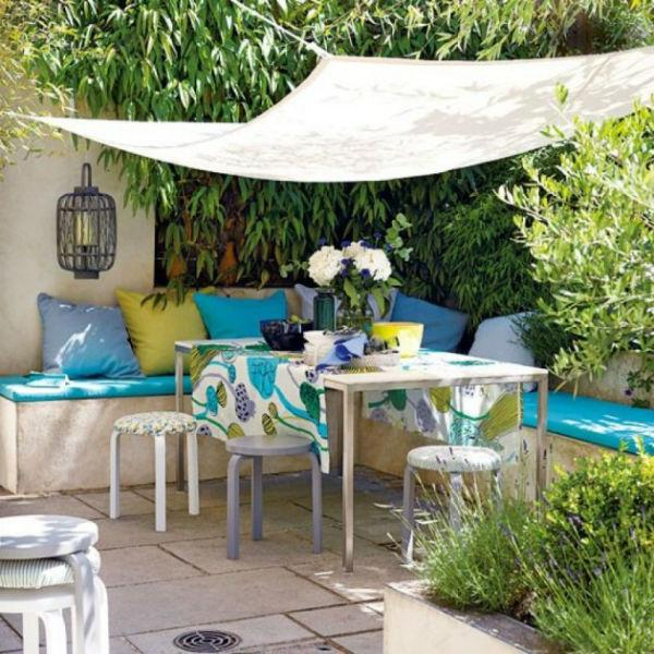 blue outdoor decor 1