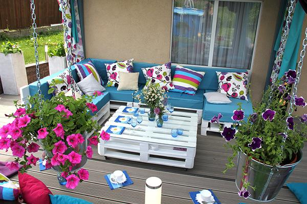 blue patio decor