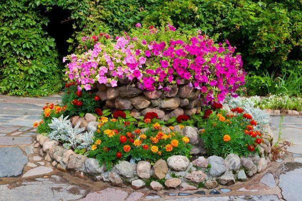 simple flower bed designs