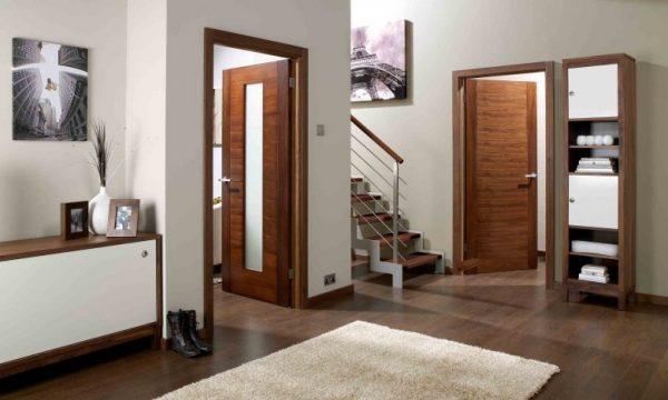 what color doors with dark floors