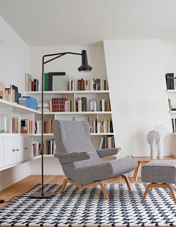 beutiful reading chair
