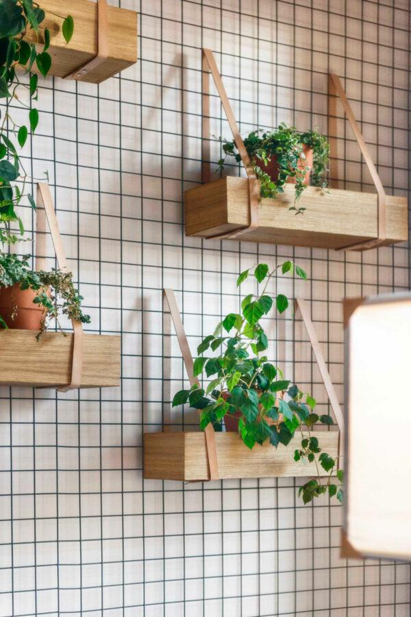 wire wall grid with shelves