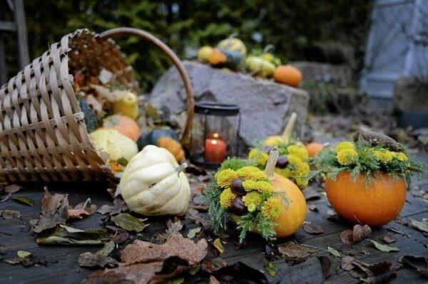 autumn outdoor decorations
