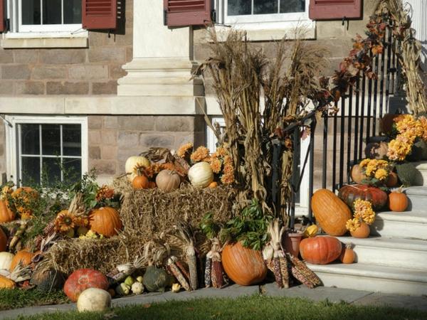 outdoor autumn decorations